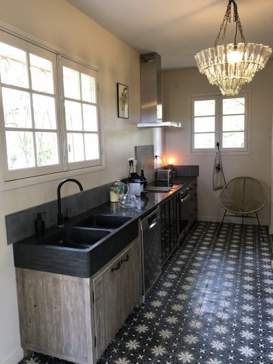Location de vacances - Villa à Royan - Une cuisine toute équipée