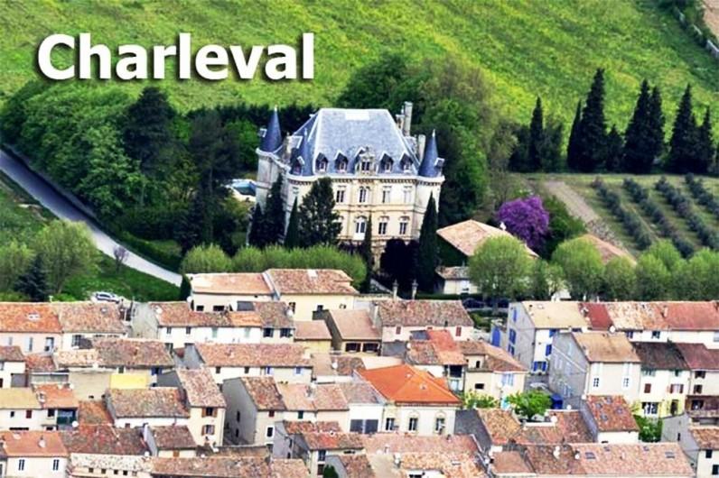 Location de vacances - Appartement à Charleval - le village