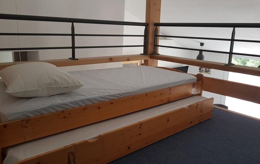 Location de vacances - Appartement à Charleval - la mezzanine et ses deux couchages de l'appart 5