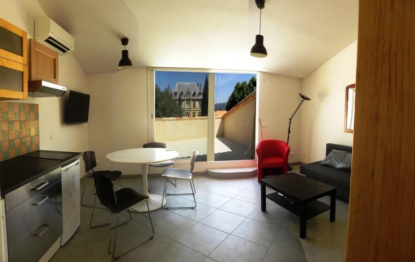 Location de vacances - Appartement à Charleval - le séjour de l'appart 5