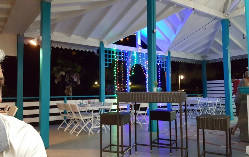 """Location de vacances - Appartement à Saint-François - restaurant """"ticoco"""""""