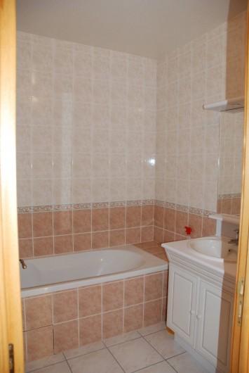 Location de vacances - Villa à Valuéjols - salle de bain