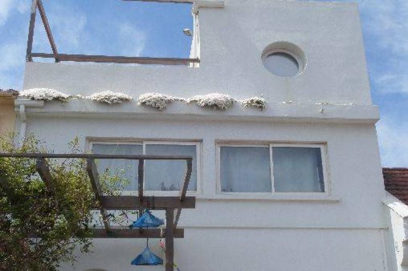 Location de vacances - Maison - Villa à Saint-Cyprien - Face avant de la maison, quartier des pêcheurs.