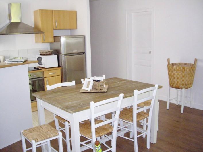 Location de vacances - Appartement à Saint-Brevin-les-Pins - Appartement Vacances Mer : Grand séjour lumineux au calme