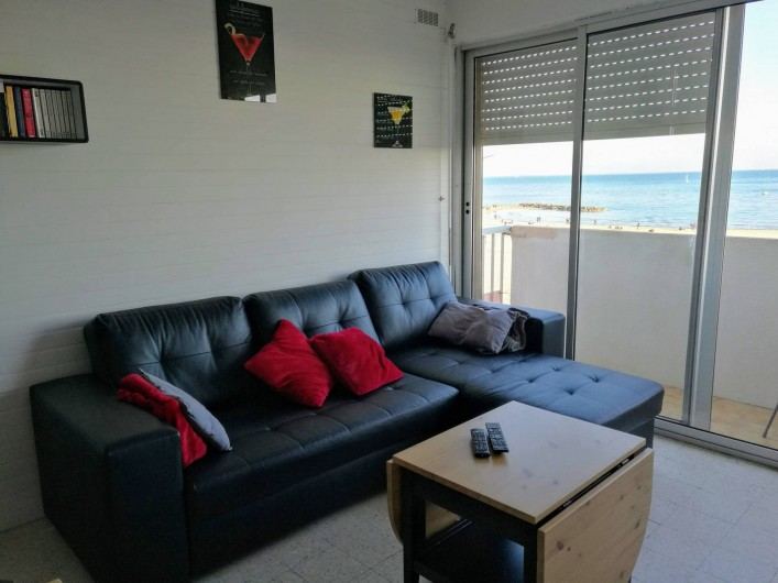 Location de vacances - Appartement à Palavas-les-Flots - Le canapé convertible au salon