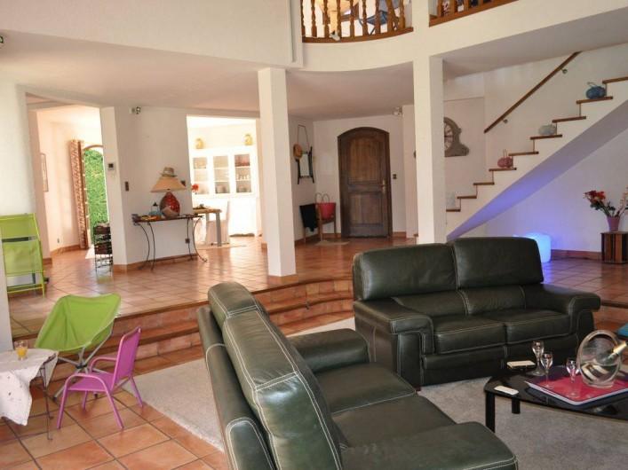Location de vacances - Villa à Saint-Génies-de-Malgoirès - L'entrée et le salon