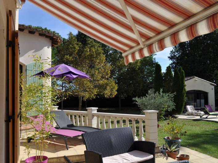 Location de vacances - Villa à Saint-Génies-de-Malgoirès - Terrasse privative