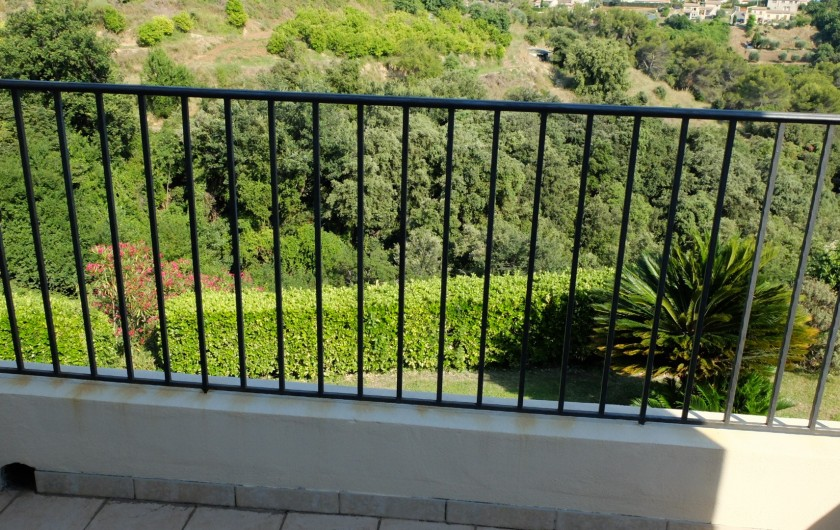 Location de vacances - Villa à Cagnes-sur-Mer - balcon chambre 4 Balcony room #4
