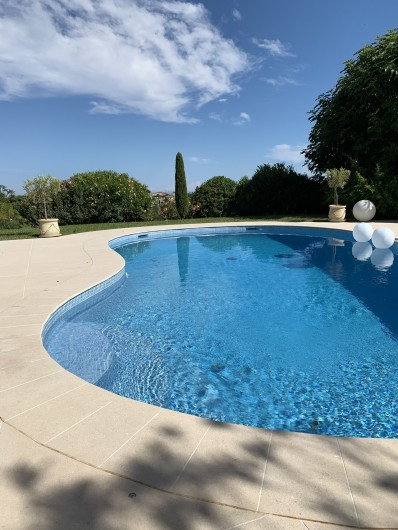 Location de vacances - Villa à Cagnes-sur-Mer - La piscine 9,2m de long The pool , length 9.2m
