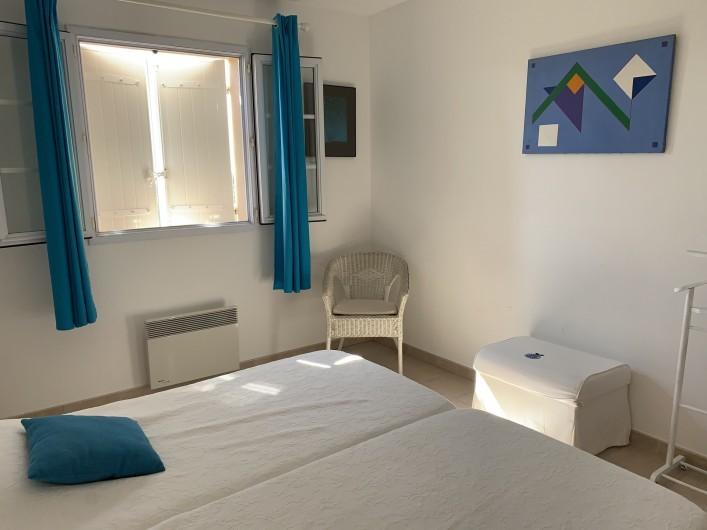 Location de vacances - Villa à Cagnes-sur-Mer - Chambre bleue #2