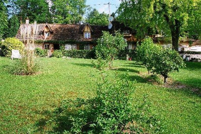Location de vacances - Chambre d'hôtes à Les Andelys - La façade de la maison