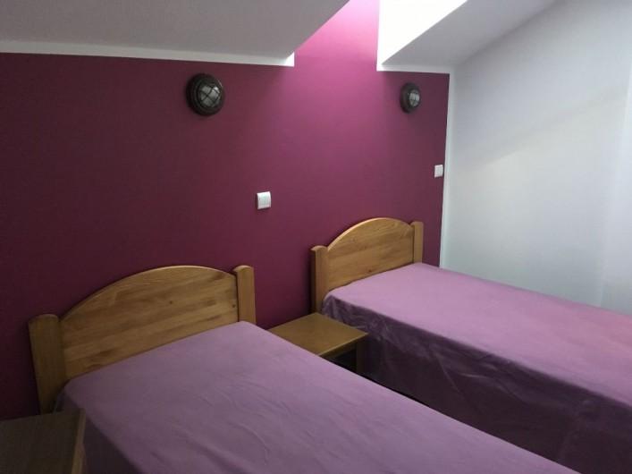 Location de vacances - Appartement à Les Claux - chambre Violine avec 2 lits de 90x200