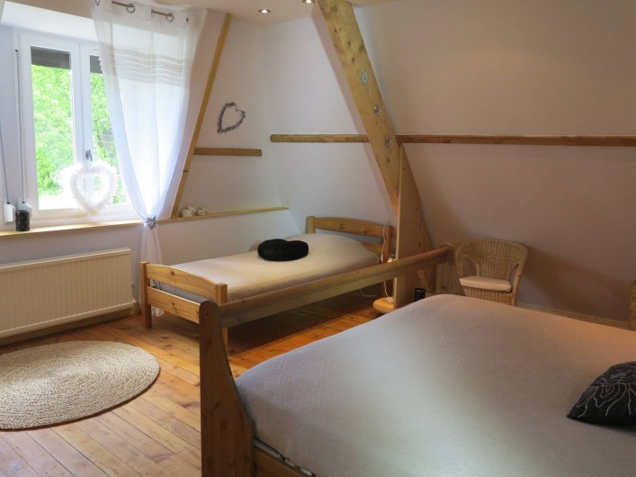 Location de vacances - Gîte à Barentin - chambre 2 : lit 90 cm