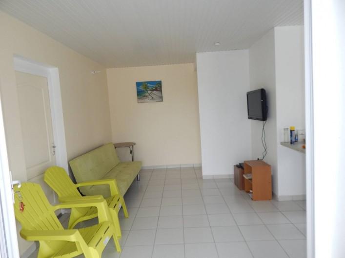 Location de vacances - Villa à Sainte-Anne - séjour appartement 1