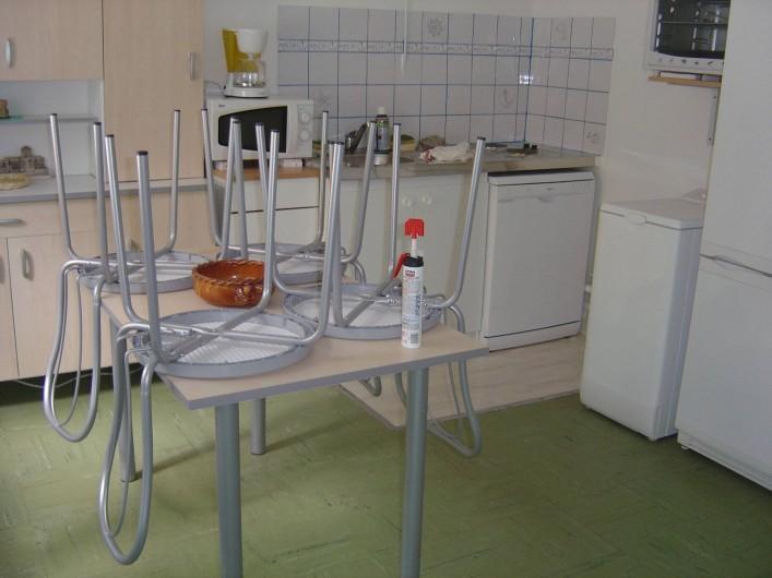 Location de vacances - Appartement à Frontignan - CUISINE EQUIPEE SEJOUR