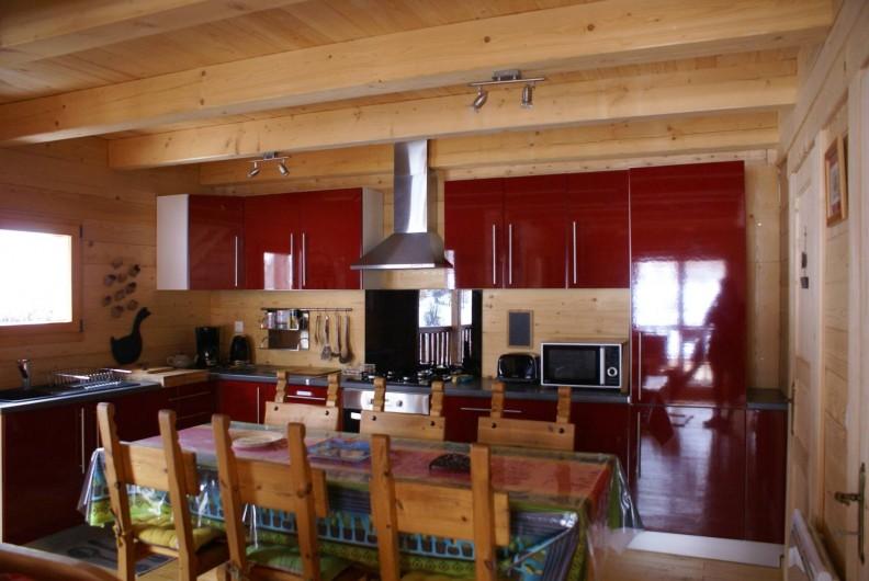 Location de vacances - Chalet à Saint-Paul-sur-Ubaye - l'espace cuisine (L'EGLANTIER)