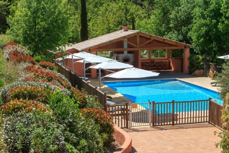 Location de vacances - Gîte à Chateauvert - Piscine et poolhouse