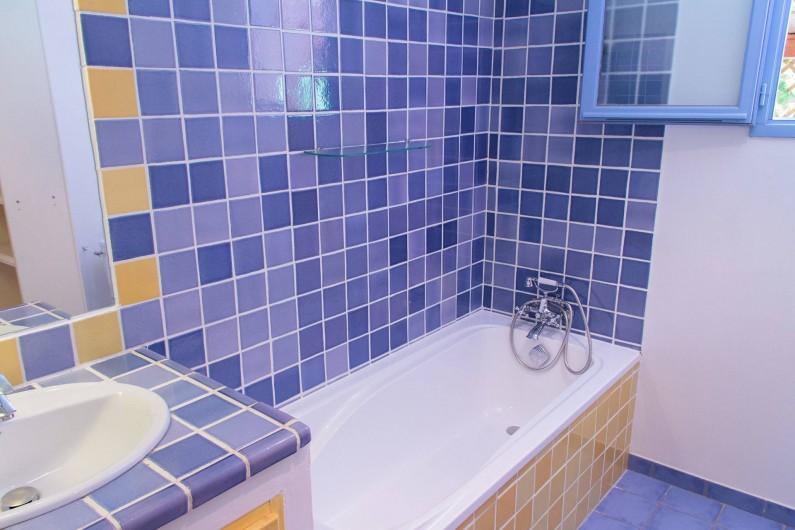 Location de vacances - Gîte à Chateauvert - Salle de bain