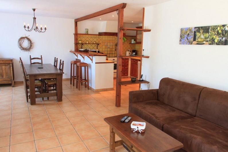 Location de vacances - Gîte à Chateauvert - Salle à manger et cuisine