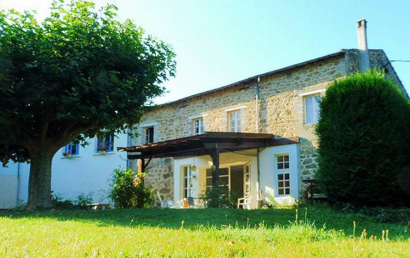 Location de vacances - Gîte à Vernoux-en-Vivarais - L'entrée du gîte