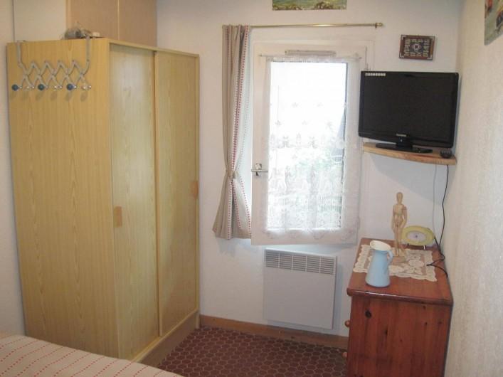 Location de vacances - Appartement à Pentrez - La chambre coté fenêtre