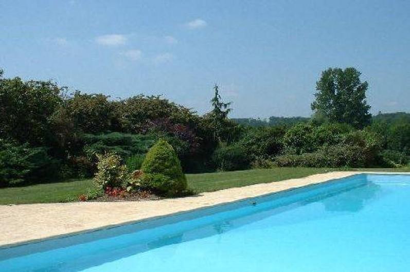 Gte  Yviers En Charente  PoitouCharentes Avec Piscine Et Spa