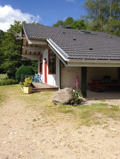 Location de vacances - Chalet à La Bresse - Terrasse couverte avec barbecue