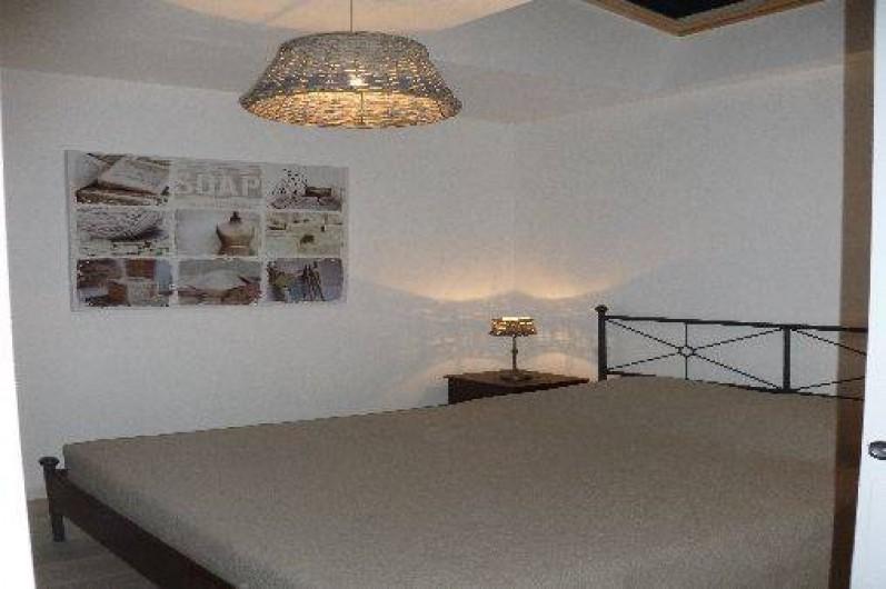 Location de vacances - Gîte à Gémenos - Chambre T2 au 1er étage avec lit 160x200, fait à votre arrivée.
