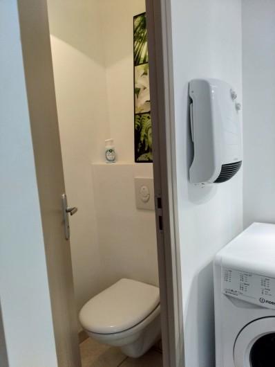 Location de vacances - Gîte à Gémenos - WC du studio