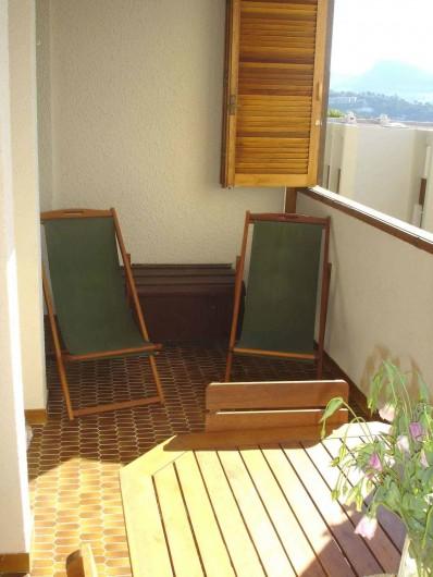 Location de vacances - Appartement à Cassis - la loggia côté détente