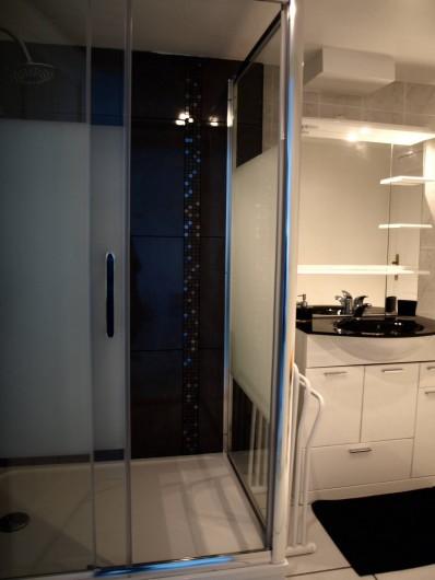 Location de vacances - Appartement à Saint-Jean-de-Luz - Salle de bains