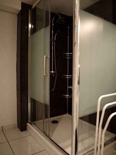 Location de vacances - Appartement à Saint-Jean-de-Luz - Douche 1.20 m X 0.90 m