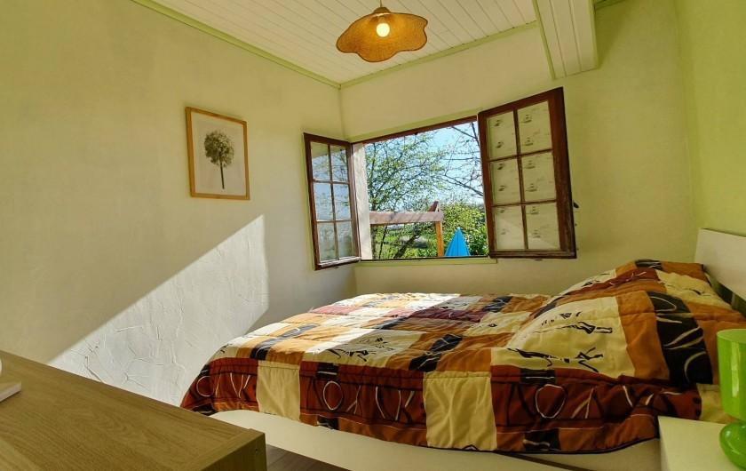 Location de vacances - Appartement à Peyrilles - La chambre parentale