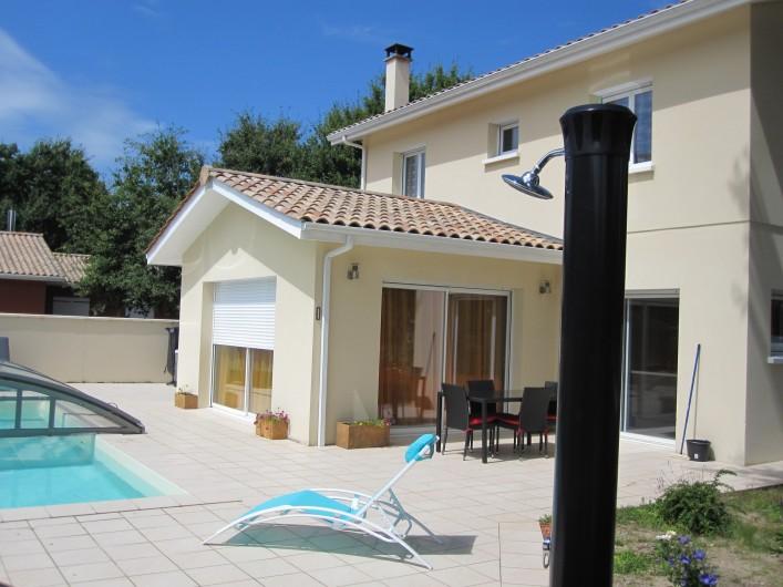 Location de vacances - Chambre d'hôtes à Soulac-sur-Mer - Soulac'Ouette - Douche solaire