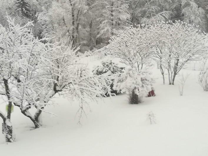 Location de vacances - Appartement à Charvonnex - jardin l'hiver