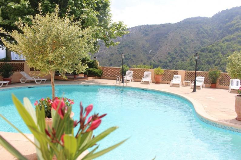 Location de vacances - Gîte à Utelle - Piscine de la résidence
