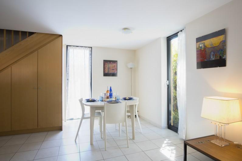 Location de vacances - Maison - Villa à Rosheim - Salle à manger lumineuse - table à rallonge jusqu'à 6 personnes