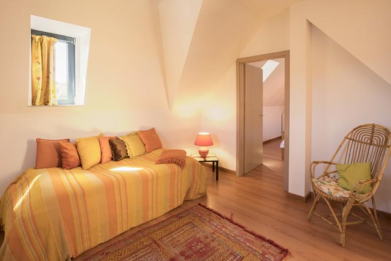 Location de vacances - Maison - Villa à Rosheim - Mezzanine lumineuse - lit d'appoint 90x190cm - petit balcon