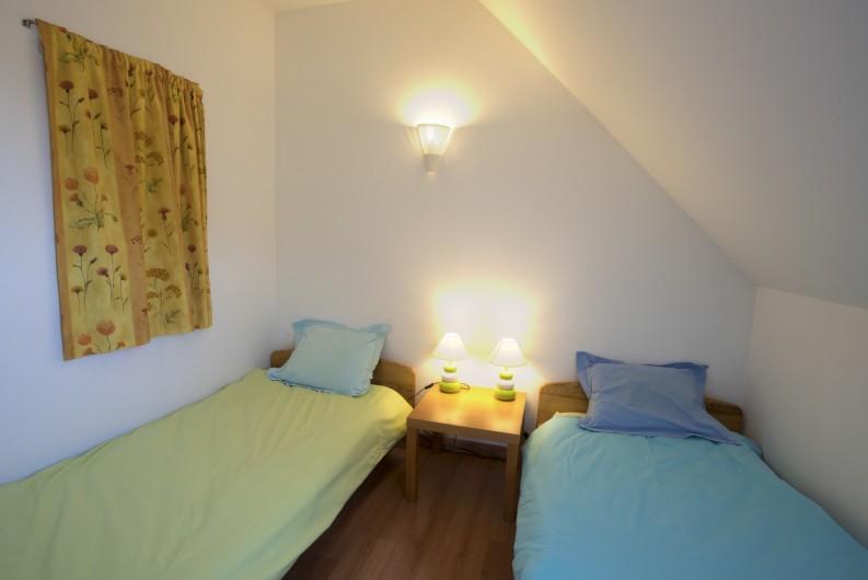 Location de vacances - Maison - Villa à Rosheim - Petite chambre - deux lits simples 90x190cm - placard de rangement