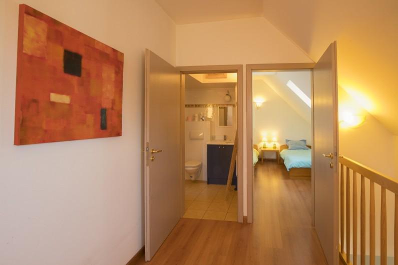 Location de vacances - Maison - Villa à Rosheim - Vue sur la petite chambre et la salle de bains depuis la Mezzanine