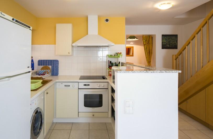 Location de vacances - Maison - Villa à Rosheim - Cuisine ouverte tout équipée.