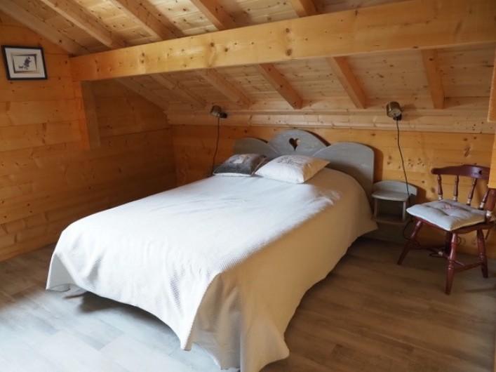 Location de vacances - Chalet à La Pesse - chambre 1 un lit double