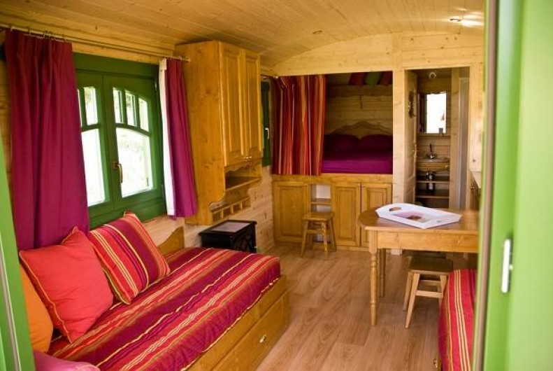 Location de vacances - Gîte à Roquecor - Roulotte de Roquecor 82150 France
