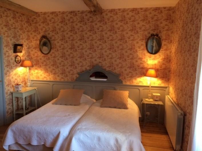 Location de vacances - Maison - Villa à Mirannes - Chambre Framboise, lits jumeaux 100x2m. Salle de bain privée avec douche