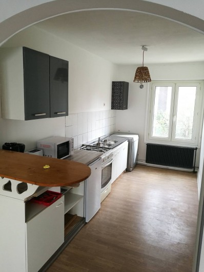 Location de vacances - Appartement à Boulogne-sur-Mer - Cuisine fonctionnel avec, four, micro onde, frigo, grille pain, cafetière...