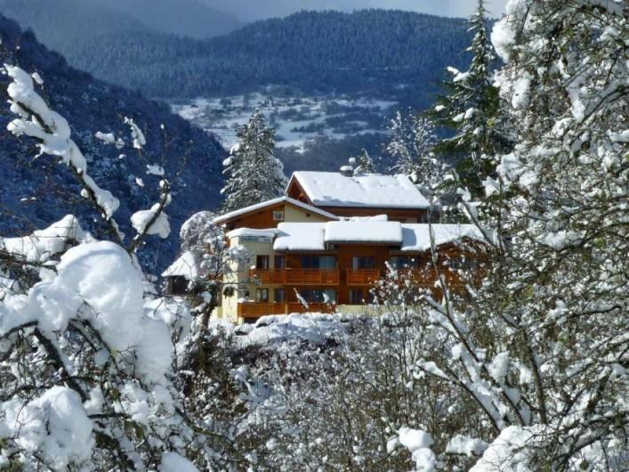 Location de vacances - Appartement à Brides-les-Bains - Vue Extérieure - Résidence la Rochetaillée - Extérieur Hiver