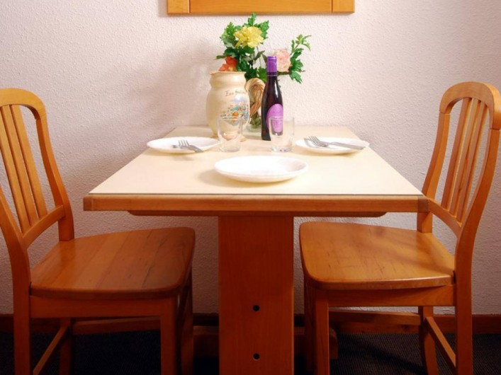 Location de vacances - Appartement à Brides-les-Bains - Salle à manger / Restaurant - Coin Repas