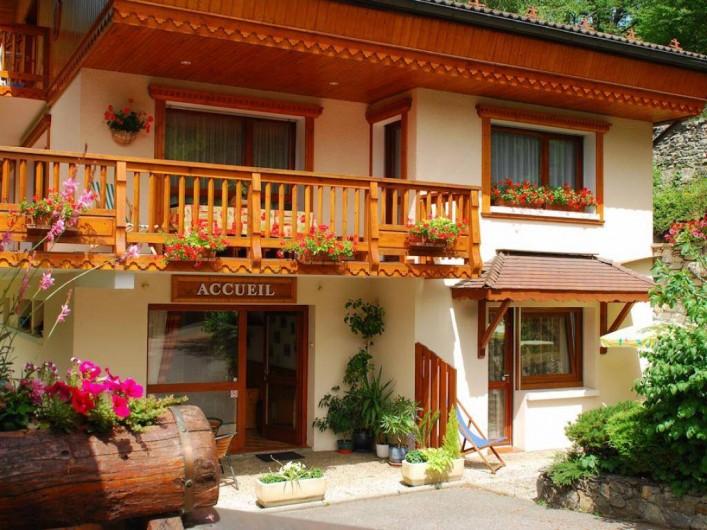 Location de vacances - Appartement à Brides-les-Bains - Vue Extérieure - Résidence la Rochetaillée - Accueil