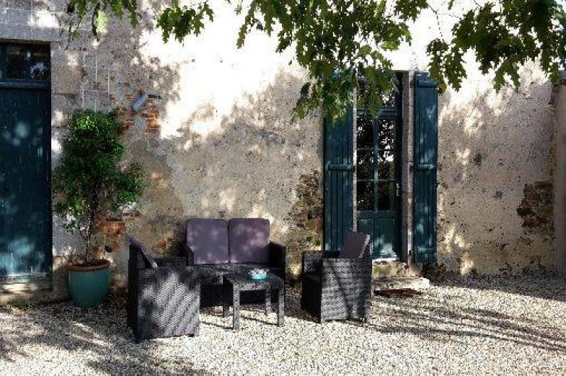 Location de vacances - Chambre d'hôtes à Sainte-Florence - SALON DE JARDIN CHAMBRE REZ DE CHAUSSE