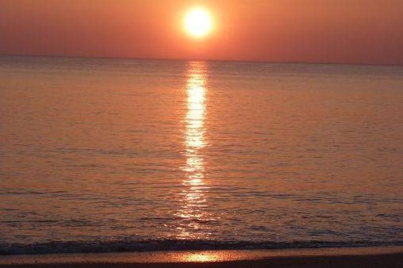 Location de vacances - Appartement à La Turballe - Coucher de soleil sur la plage